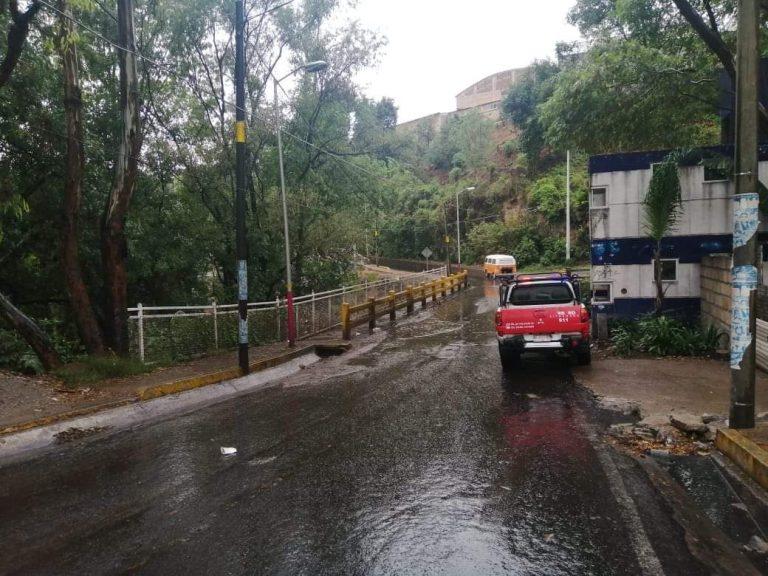 PC y Bomberos supervisan zonas de alto riesgo por lluvias