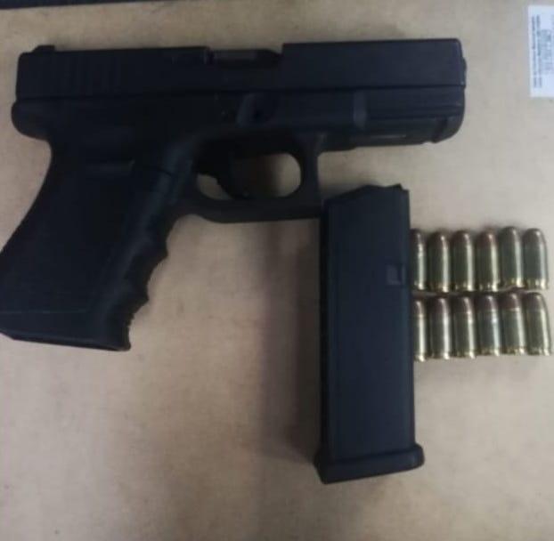 Asegura SSP a dos menores de edad  en posesión de un arma de fuego y vehículo con reporte de robo
