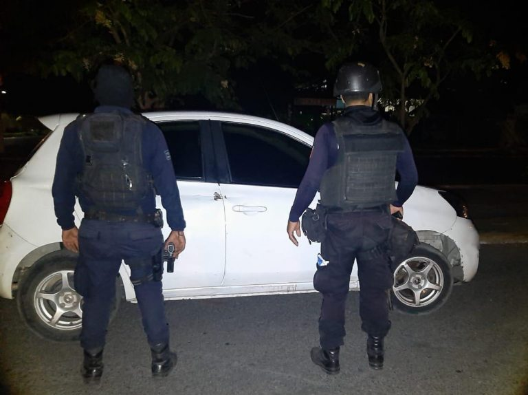 Localiza SSP vehículo implicado en hechos delictuosos, en Lázaro Cárdenas.
