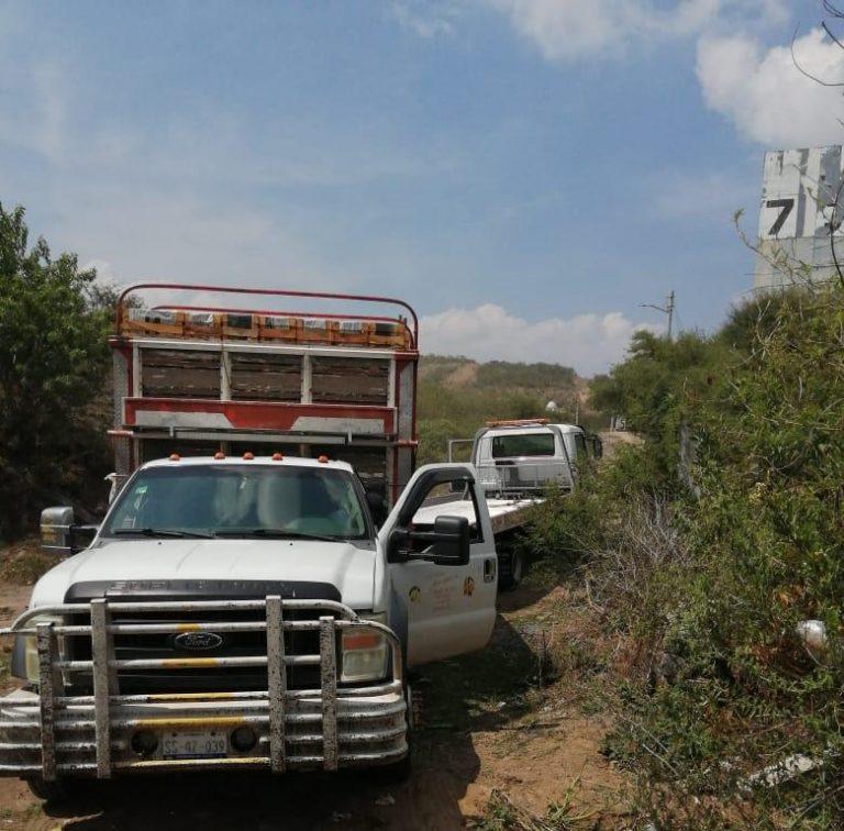 Asegura SSP vehículo con reporte de robo, en Tarímbaro.