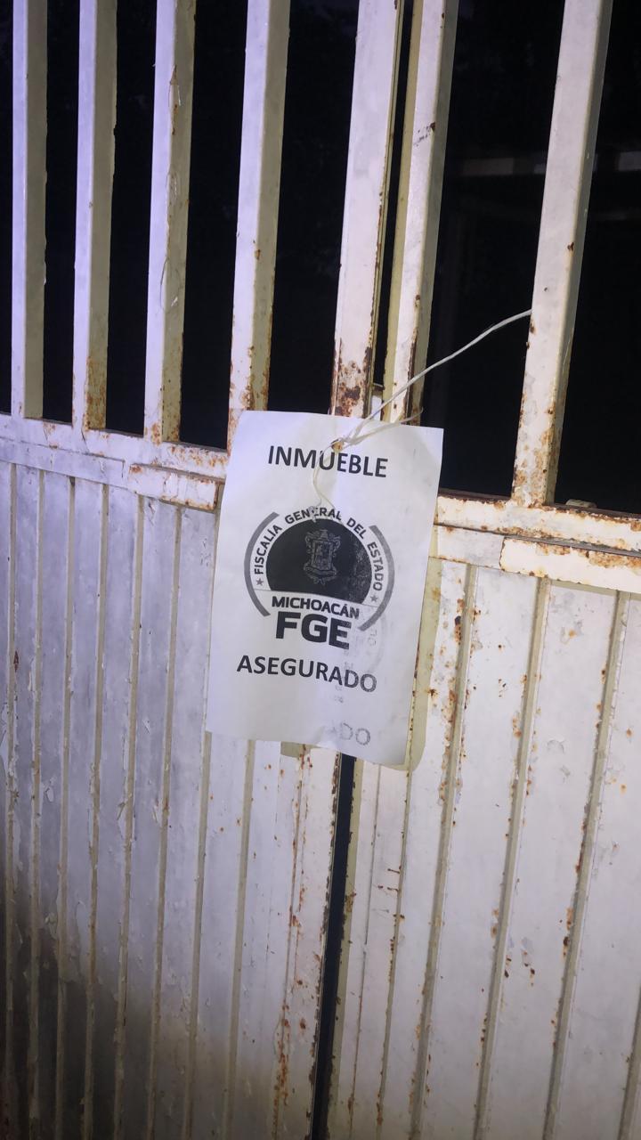 En acción operativa, recupera FGE tres vehículos y una motocicleta, en Aguililla
