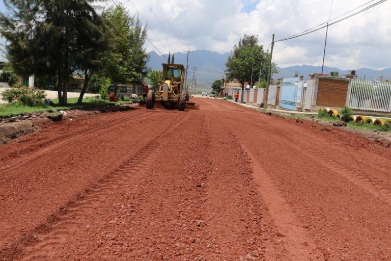 En un 66% de avance las pavimentaciones de las calles de Tzictzic y Tlaximaroyan de la Colonia Los Lirios