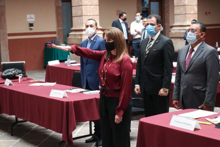 Designan a Rosario Flores titular del Órgano de control del IEM