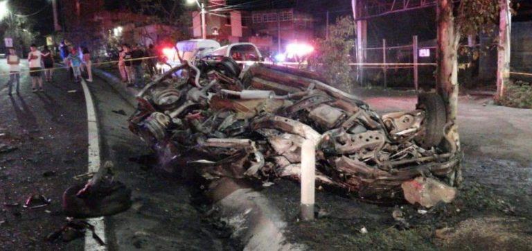 Mueren tres personas y 6 más resultaron lesionadas en choque automovilístico en Morelia.