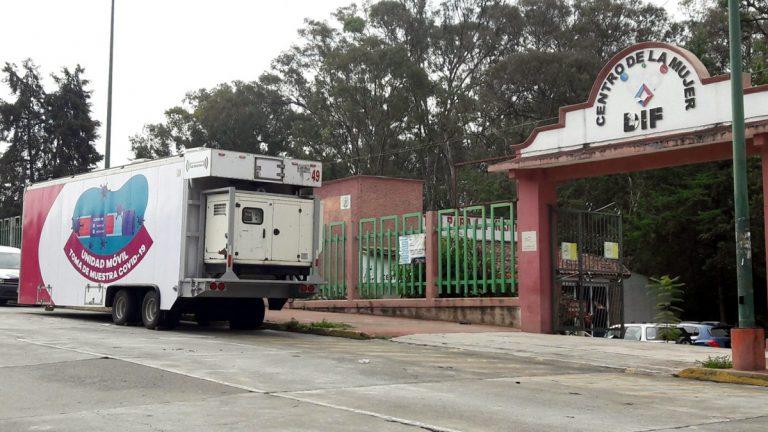 Instalan unidad móvil para la prueba de COVID-19 en el Centro de la Mujer de La Joya.