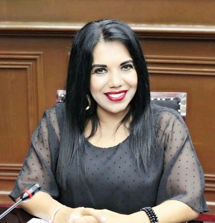 Wilma Zavala cumple con las y los michoacanos con trabajo legislativo y gestión social
