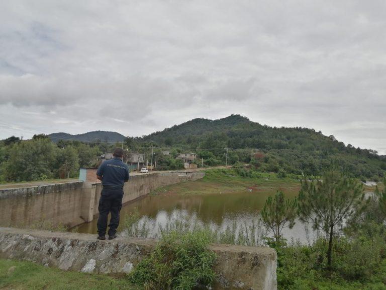 Protección Civil y Bomberos monitorean presas y ríos de Zitácuaro