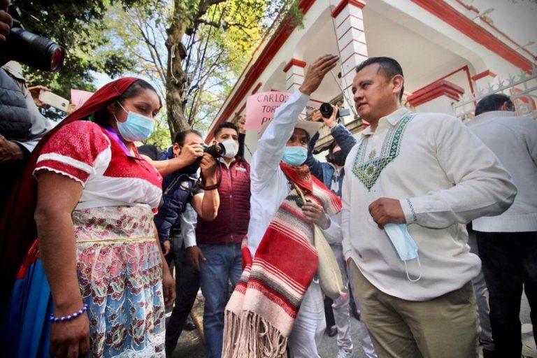 Ceremonia Purépecha tras registrarse Torres Piña.