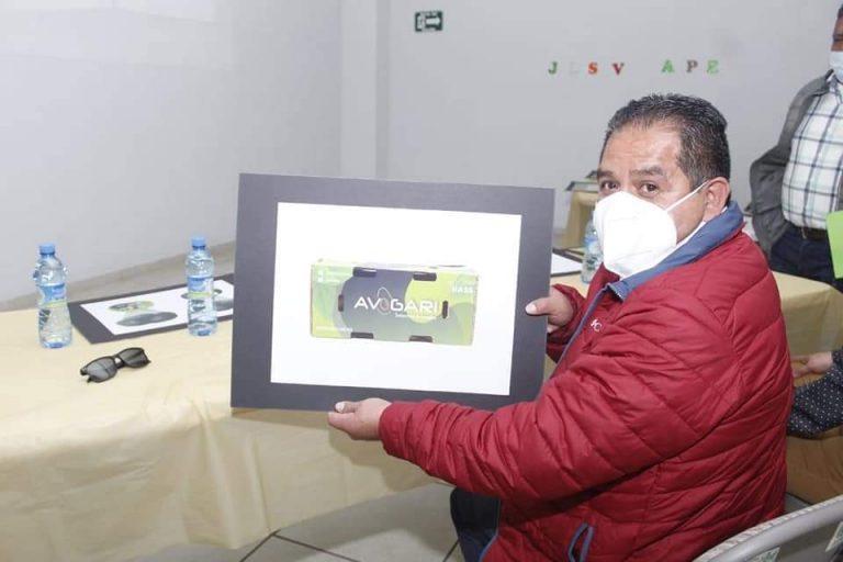 Con apoyo de Sedeco y Lupillo Aguilera, aguacateros de Tingambato logran marca para exportar