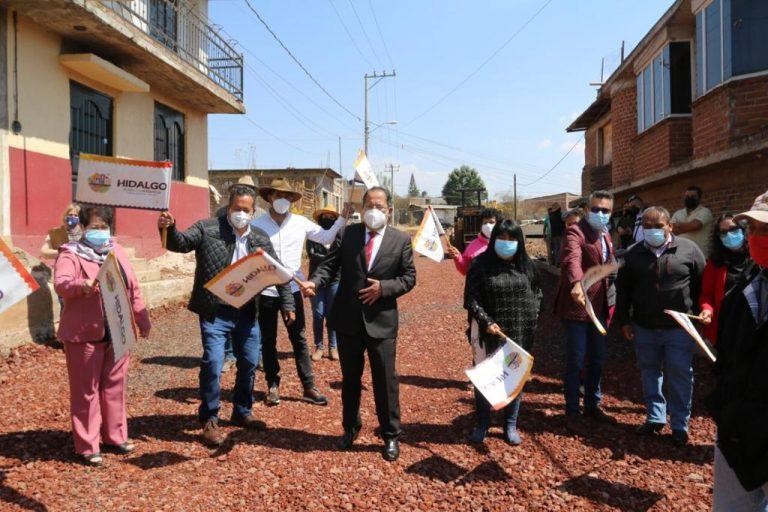Ayuntamiento de Hidalgo inicia los trabajos de pavimentación de la calle Los Azufres de la Colonia Santuario Monarca