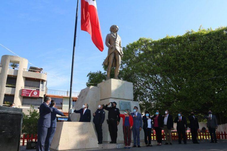 Autoridades municipales presiden acto de Izamiento de Bandera
