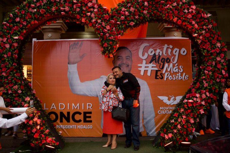 Las madres de familia son guerreras incanzables, no hay nada que compense todo el amor y sacrificio que ellas dan a sus hijos: Bladimir Ponce