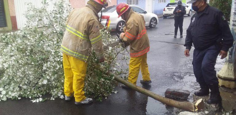Mantienen monitoreo cuerpos de emergencia en todo el municipio, tras precipitación pluvial