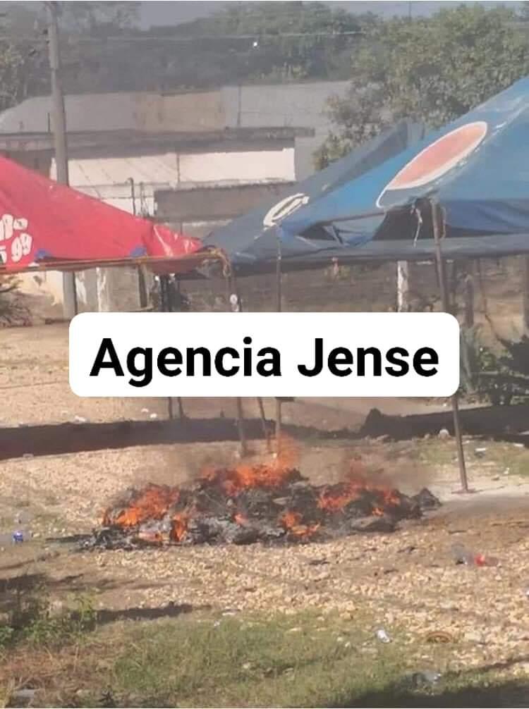 #Veracruz #JesusCarranza Queman boletas pobladores, y evitan que sean llevadas a #Xalapa
