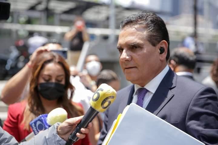 Silvano Aureoles acudió a la Suprema Corte de Justicia y al Poder Legislativo