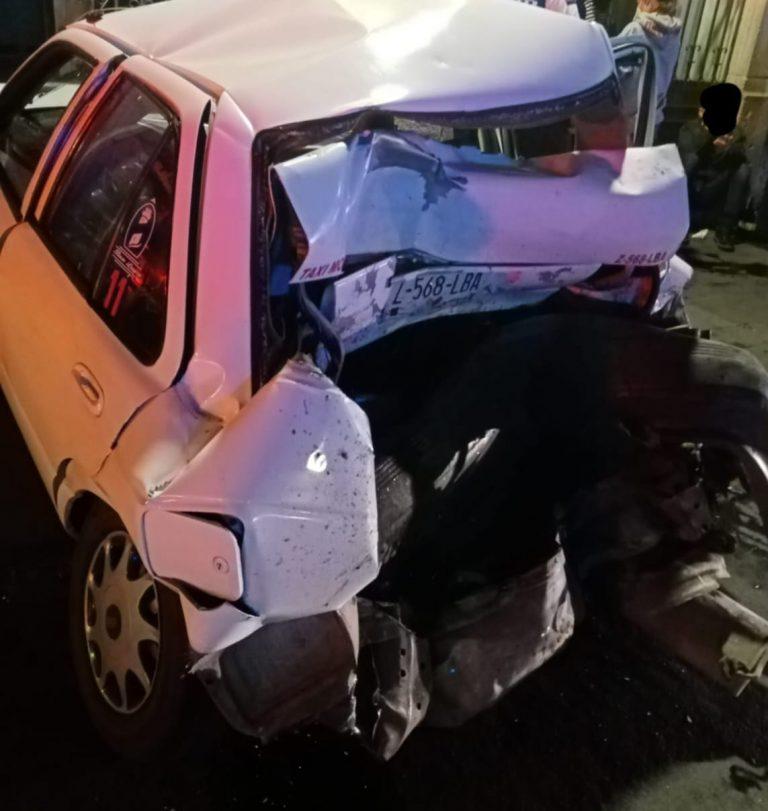 Cuantiosos daños materiales dejó una carambola entre tres vehículo sobre la avenida Madero Poniente