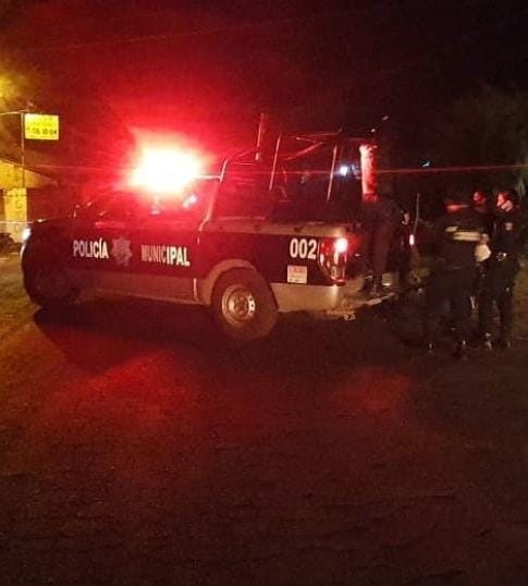 Comando armado atacó a balazos a dos policías municipales