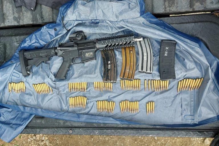 En Zitácuaro, SSP, GN y Policía Municipal aseguran un arma de fuego y 101 cartuchos útiles.